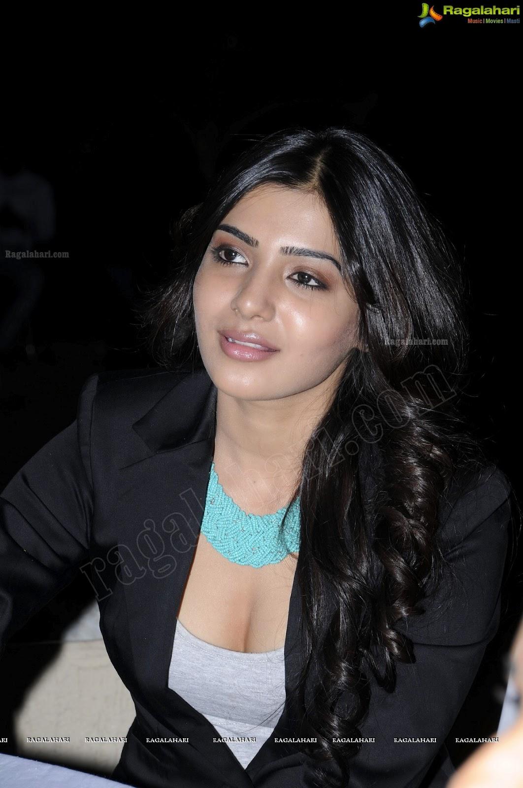 Samantha In Saree: Actress Hotspot: Samantha Hot Cleavage Show