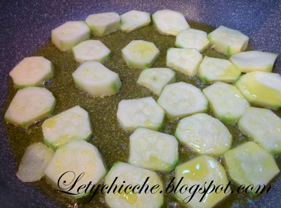 Fusilli con zucchine e ricotta salata - Letychicche