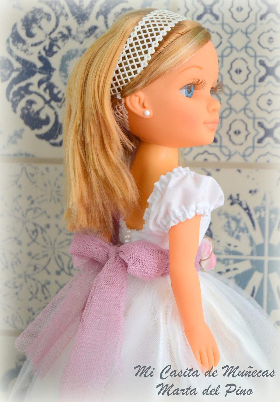 Casa de muñecas, Marta del Pino, Mi Casita de Muñecas, Nancy y sus vestidos, muñeca de comunión, nancy comunión, vestido de comunión