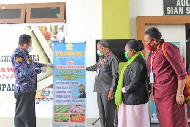 Rustan Saru Terima Kunjungan dan Pemantauan Penanganan COVID-19 di Kota Jayapura oleh Anggota Majelis Rakyat Papua (MRP)