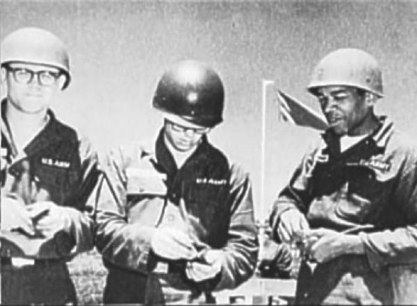 Rare Photographs of a Young Jimi Hendrix in the Army, ca ...