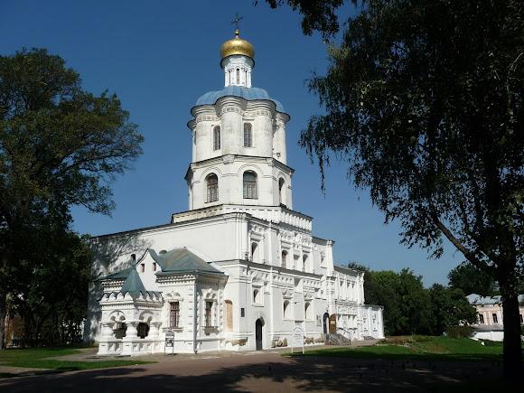 Чернигов. Детинец. Коллегиум. Памятник архитектуры