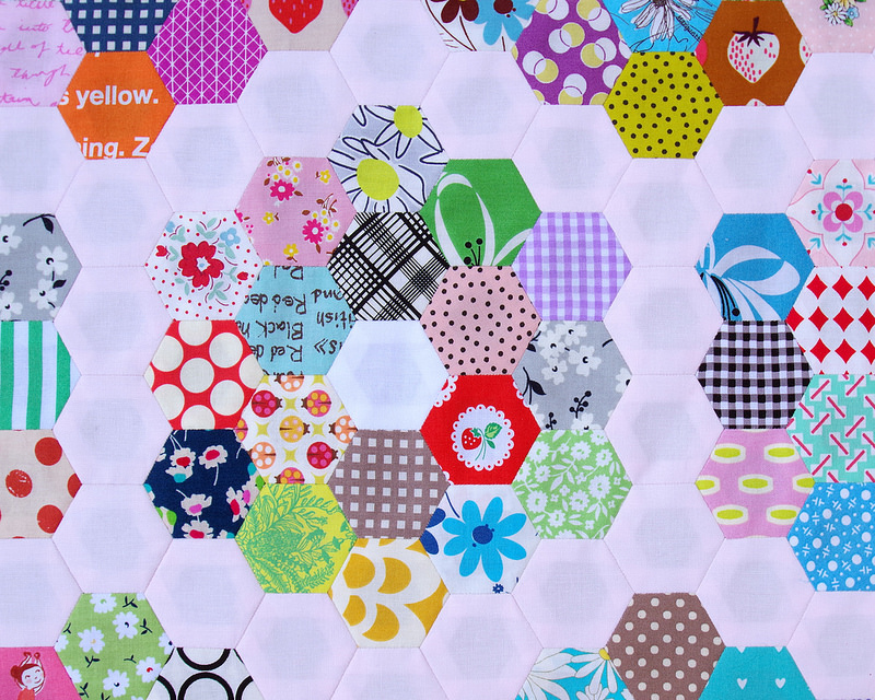 Grandmother's Flower Garden Quilt - Part 2 | © Red Pepper Quilts 2018