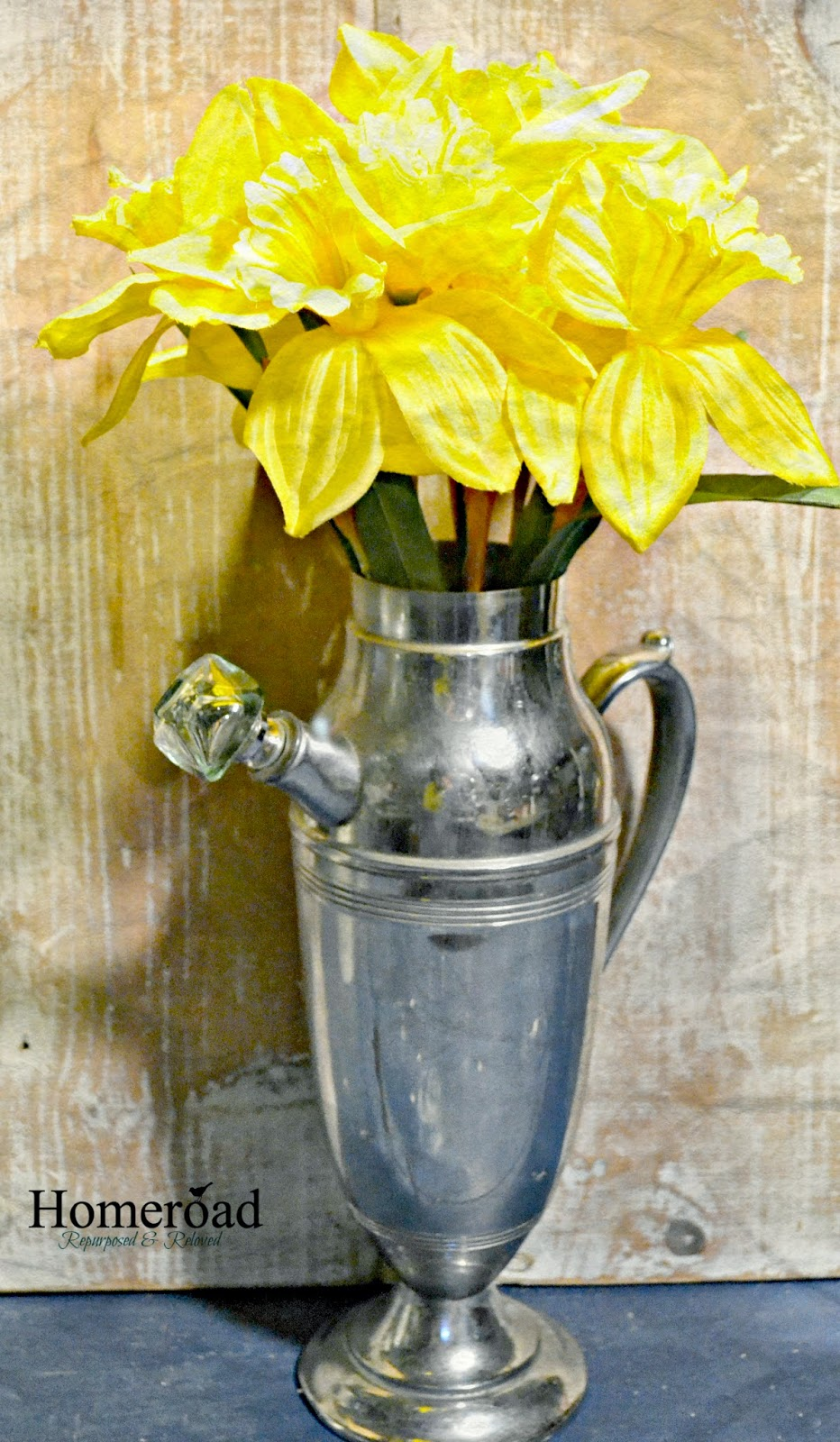 Cocktail Shaker Flower Vase www.homeroad.net