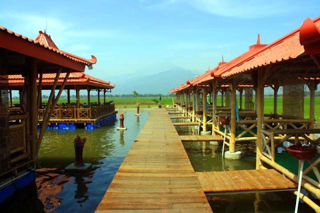 BANJARBARUKLIK.COM- Pernah membayangkan suatu saat Danau Seran disulap menjadi surganya wisata. Tanpa harus menghilangkan identitas aslinya yakni air, Danau Seran sebenarnya memiliki potensi yang menakjubkan sebagai kawasan yang layak dikembangkan.