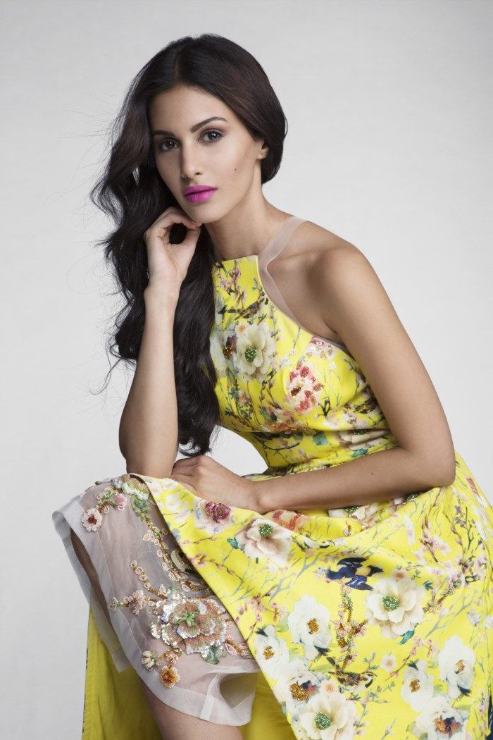 actress amyra dastur latest cute and hot gallery   gethu