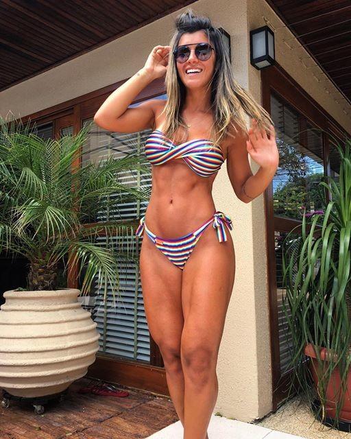 Fitness Model Vitoria Gomes @vitoriagomes Instagram photos