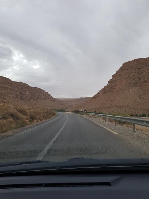on the road alto atlante marocco