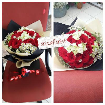 tempat jual bunga mawar surabaya, penjual bunga mawar di surabaya, bunga mawar valentine surabaya