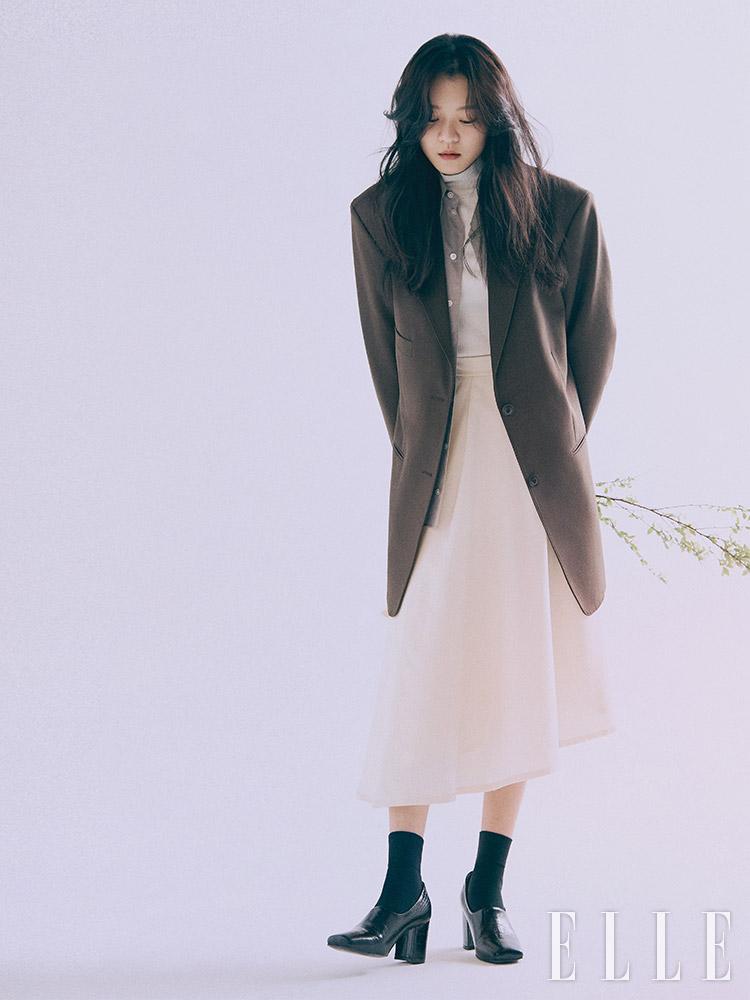 [Magazine] 190225 Go Ah Sung @ ELLE Korea