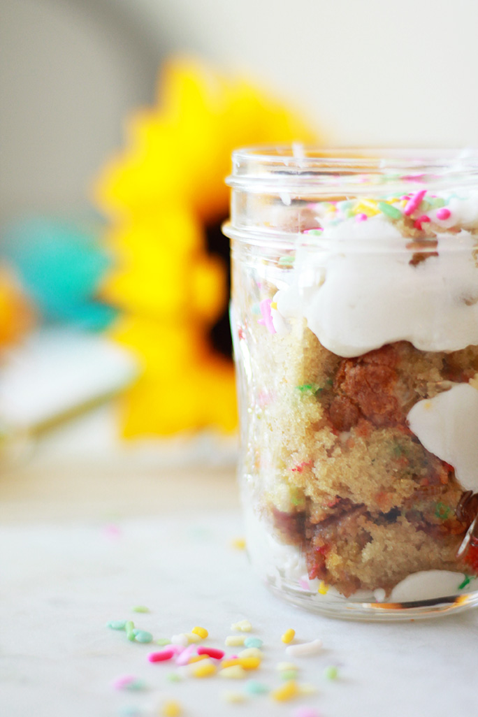 layer cake in a jar to go