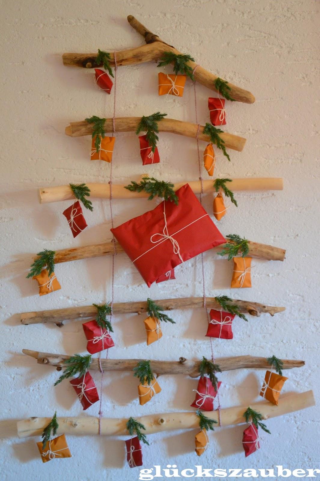gl ckszauber tannenbaum adventskalender aus treibholz mit selbstgemachten f llideen schoko. Black Bedroom Furniture Sets. Home Design Ideas