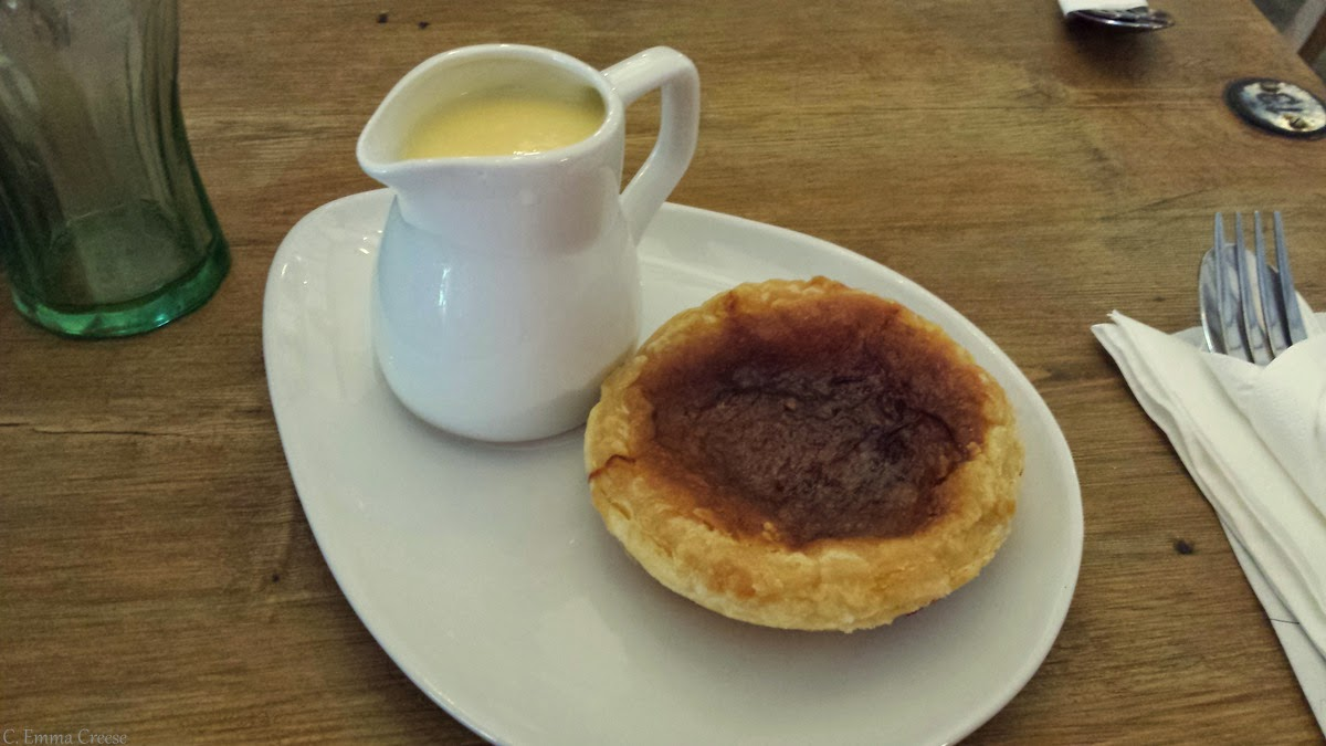 Bakewell Puddings - Roadtrip through Derbyshire - The Old Original Bakewell Pudding Shop
