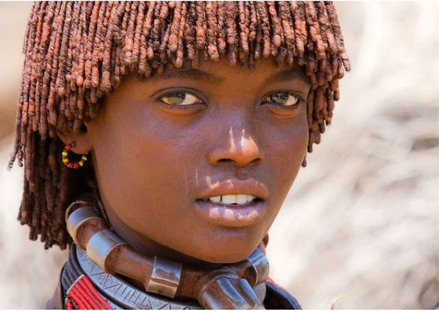 فتاة اثيوبية من قبيلة الحمر !