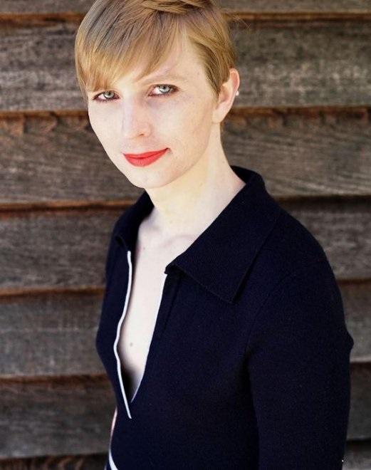 Chelsea Manning comparte su primera foto tras salir de prisión
