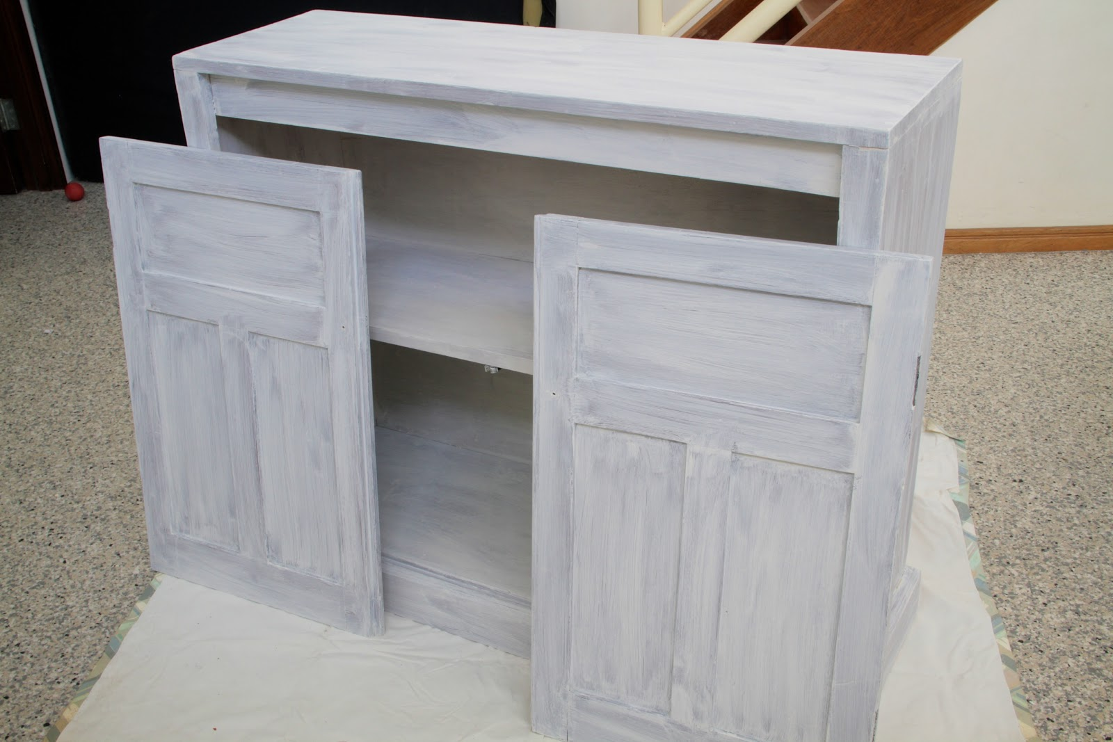 Paint for Shabby Chic Kitchen Cupboards