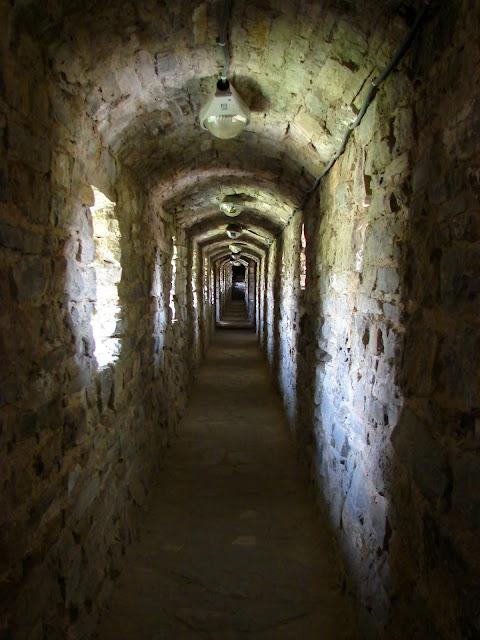 Коридор внутри крепостной стены
