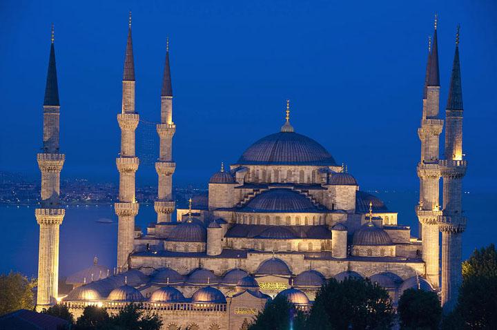 Masjid Biru Turki tempat menarik untuk dilawati