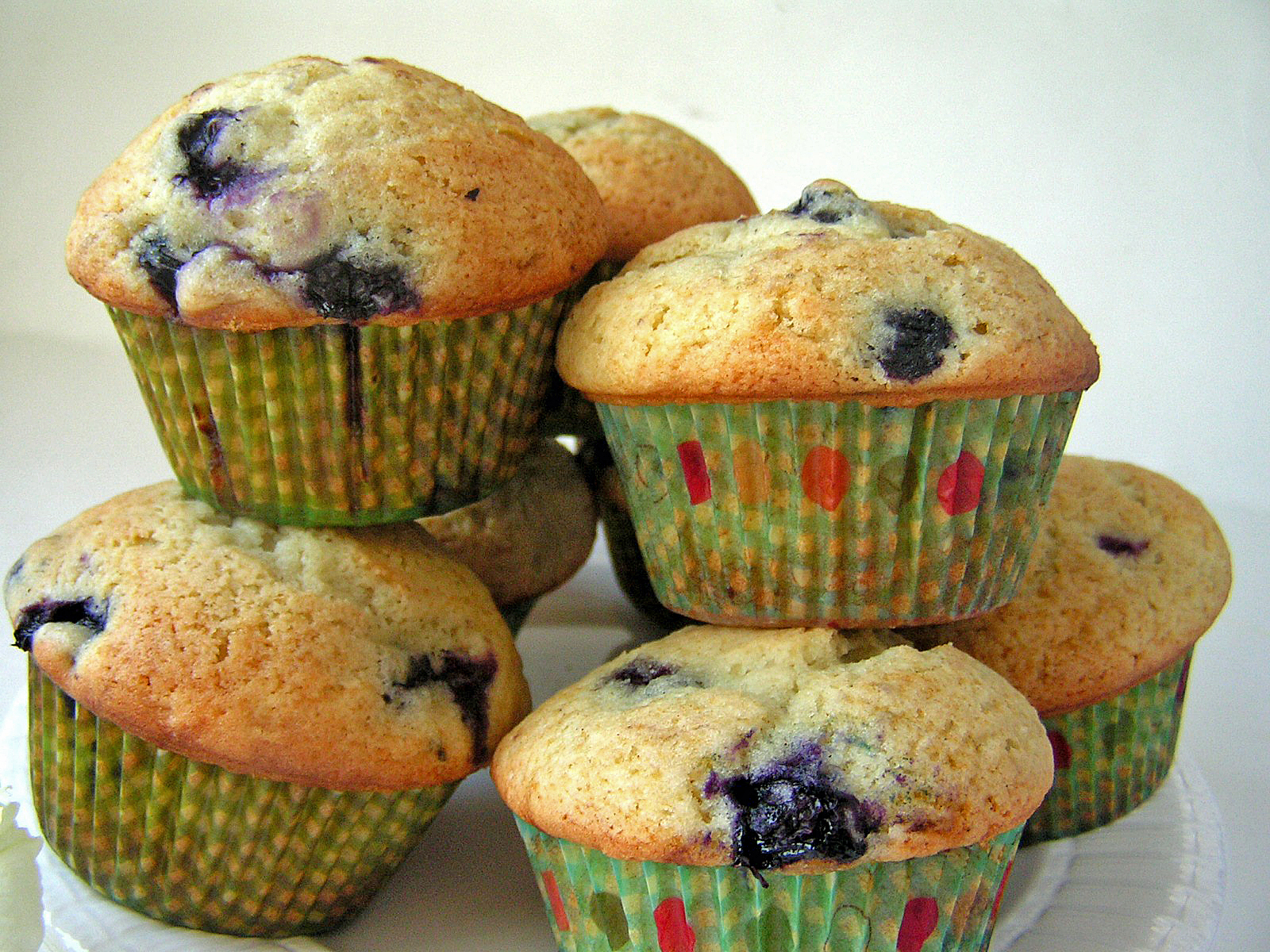AMAZING BLUEBERRY MUFFINS - Butter with a Side of Bread - photo#9