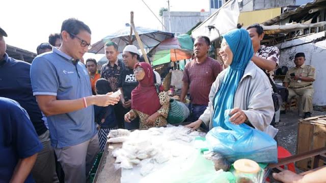 Saat Sandi Heran Temukan Tempe Sachet Rp 350 di Semarang