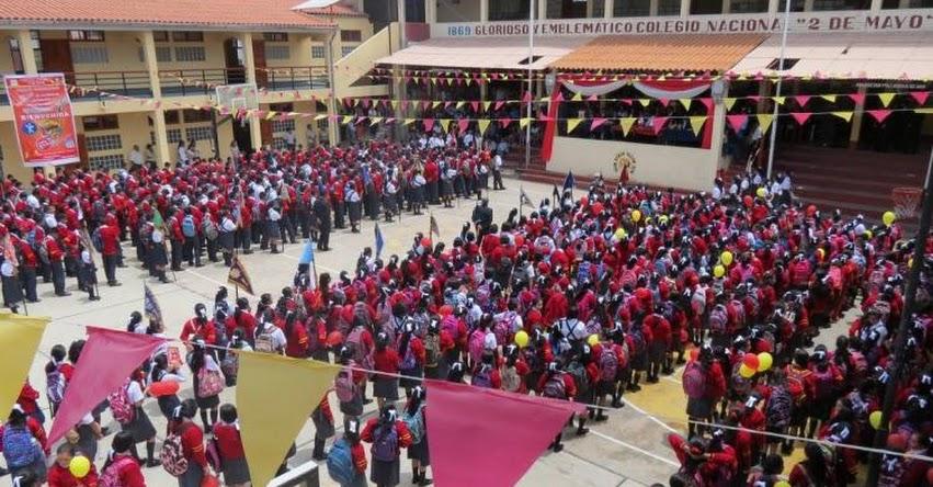 DRE Áncash aperturó buen inicio del año escolar 2017 en colegio «2 de Mayo» de Caraz