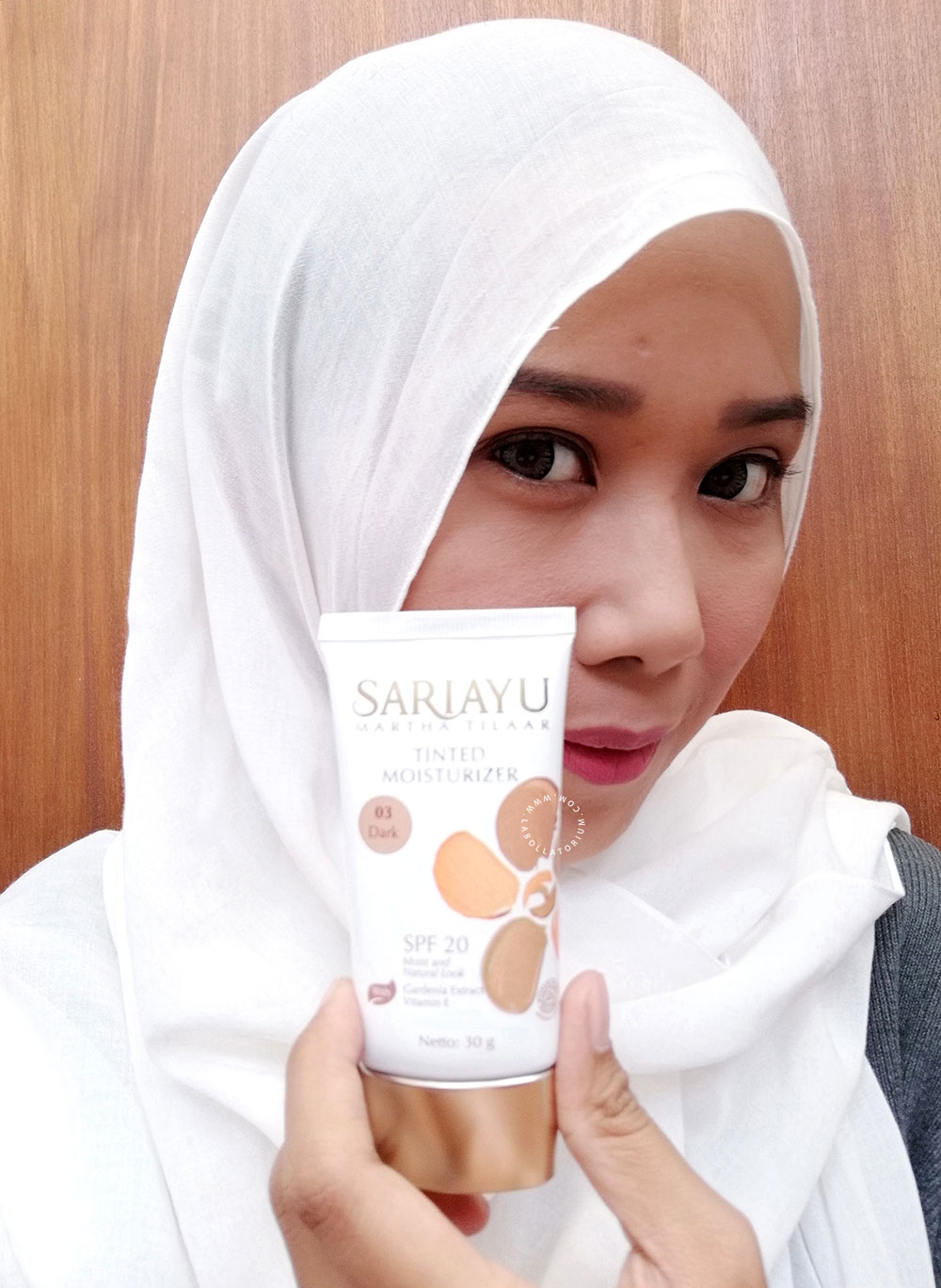 Tinted Moisturizer Review for Daily Make Up - Sariayu Martha Tilaar