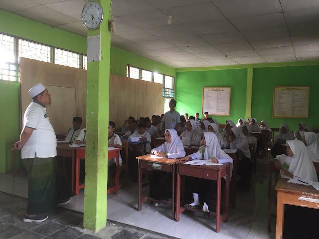 Bulan Ramadhan, Anwar Sadat Berbagi Ilmu dengan Santri di As'adiyah