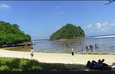 wisata pantai gatra