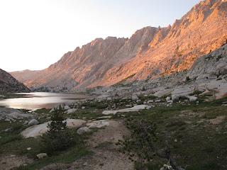 Sonnenuntergang am Evolution Lake