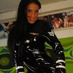Andrea Rincon, Selena Spice Galeria 5 : Vestido De Latex Negro Foto 37