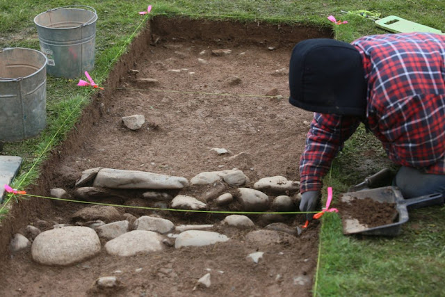 Dig uncovers evidence of 250-year-old British fort in Nova Scotia