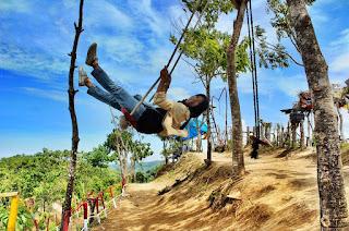 Ayunan Bukit Vandiam, Kabupaten Sinjai, Sulawesi Selatan foto oleh @enhy0709_