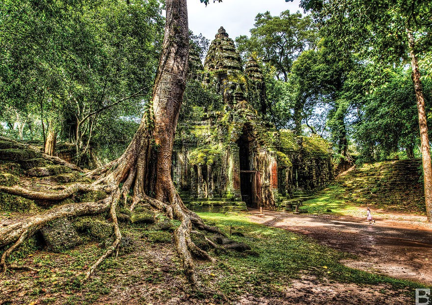 Angkor Thom East Gate - Temples, Markets And Rain – My Trip Around Cambodia