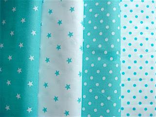 Bevlnené látky modrozelené bodkz a hviezdičky