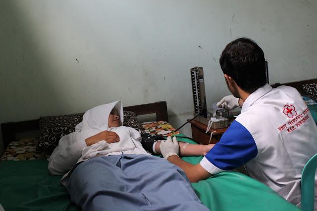 Donor Darah Rutin PMR MANDAPO