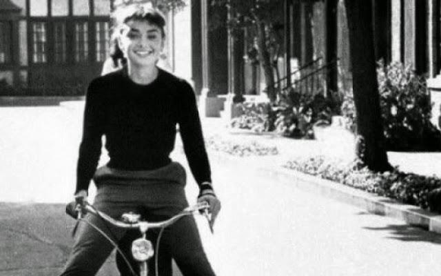 Ευτυχία εδώ και τώρα: 5 καθημερινές συνήθειες που χρωστάς στον εαυτό σου