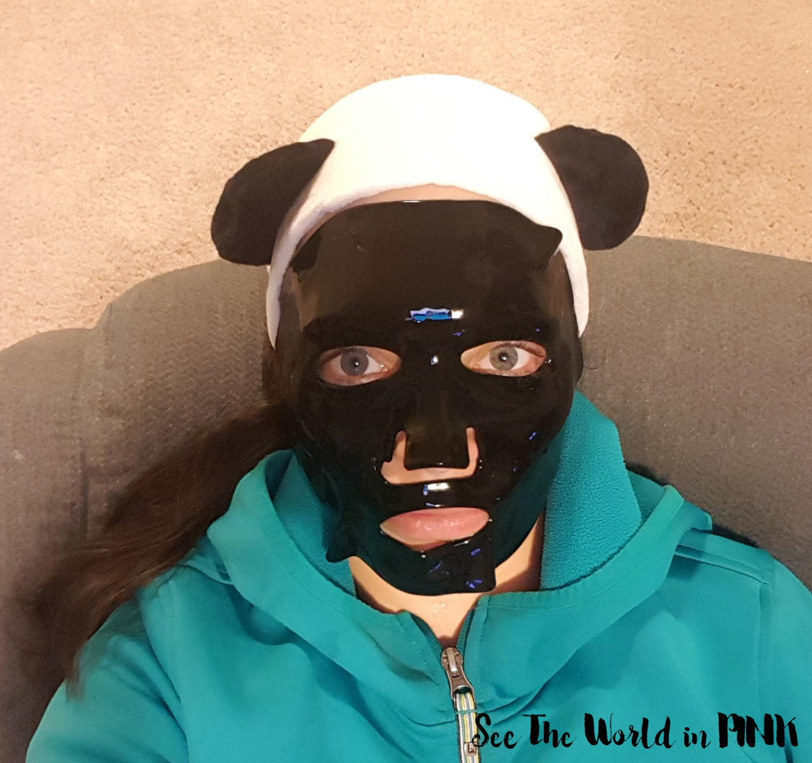 Mask Wednesday - ToGoSpa Bamboo Charcoal FACE Collagen Gel Mask Review