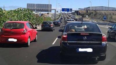 La colisión entre varios vehículos en la GC-1 (altura Las Terrazas) dirección Las Palmas de Gran Canaria, provocan grandes retenciones
