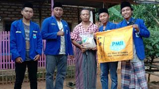 MIF dan PMII STAI-MU Pamekasan Santuni Kaum Dhuafa