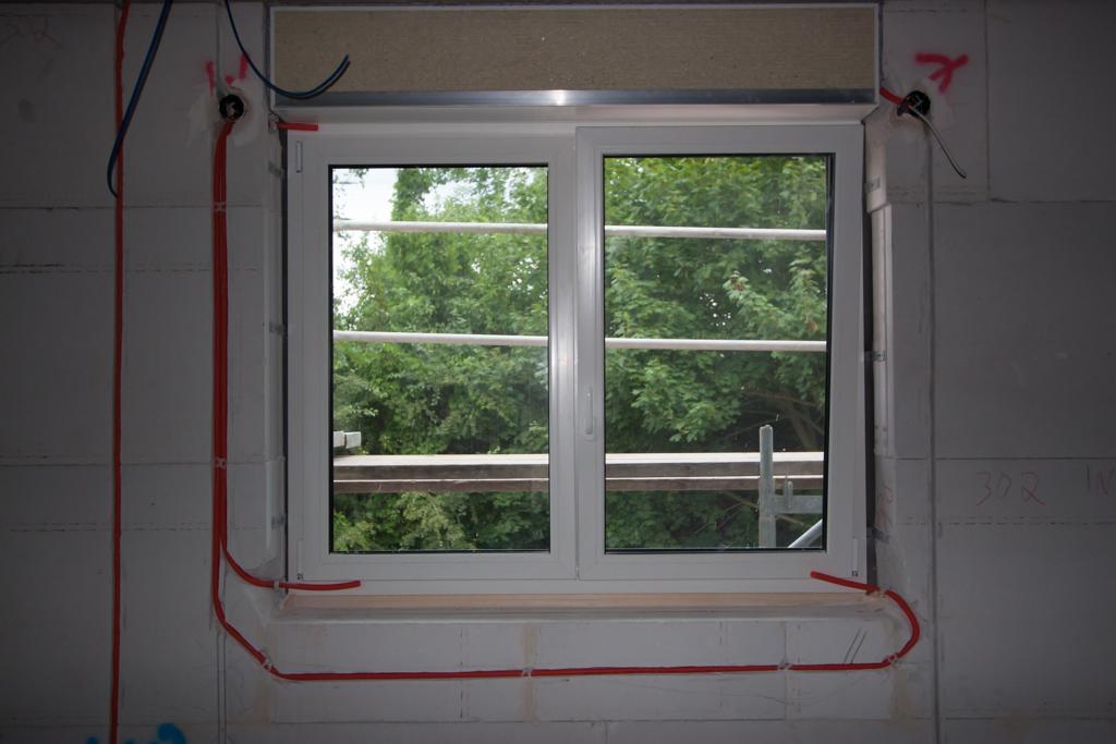 hum 39 s baublog tag 71 erste kabel werden gezogen. Black Bedroom Furniture Sets. Home Design Ideas