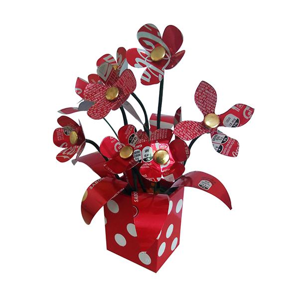 Vasinho com Flores de Latinha