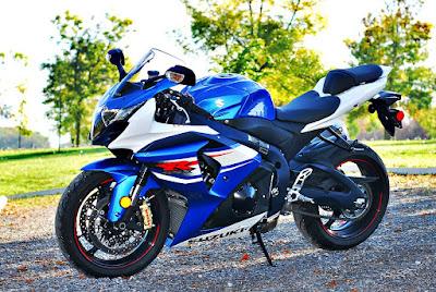 Suzuki GSX-R1000 Side view HD Image