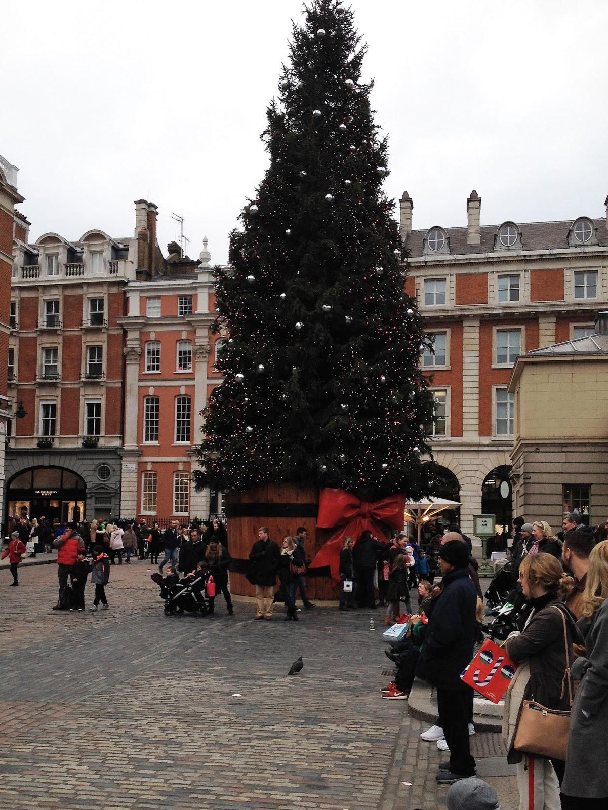 WW2 - The Second World War: A Covent Garden Christmas