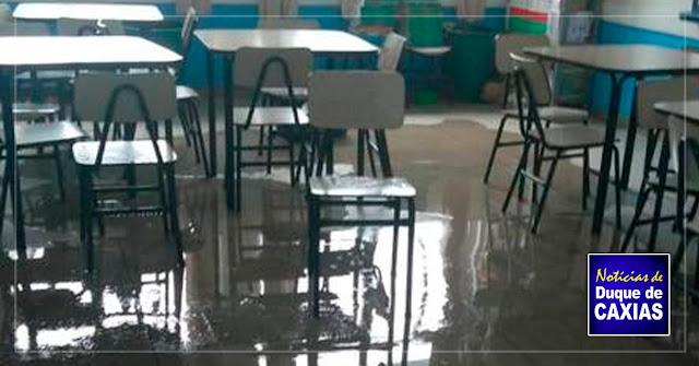 Chuva faz escolas suspenderem aulas em Duque de Caxias, na Baixada Fluminense