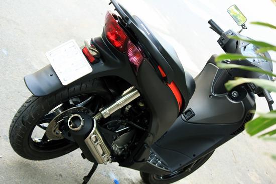Sơn xe Honda SH màu xám lông chuột