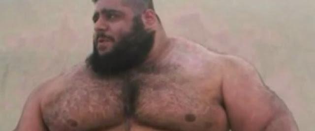 Ιδού ο αληθινός «Χαλκ». Ο 24χρονος Ιρανός που σηκώνει 175 κιλά σαν πούπουλο και έχει «γκρεμίσει» το Instagram
