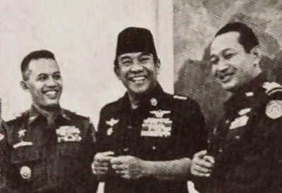 Pak Nas, Soekarno dan Soeharto