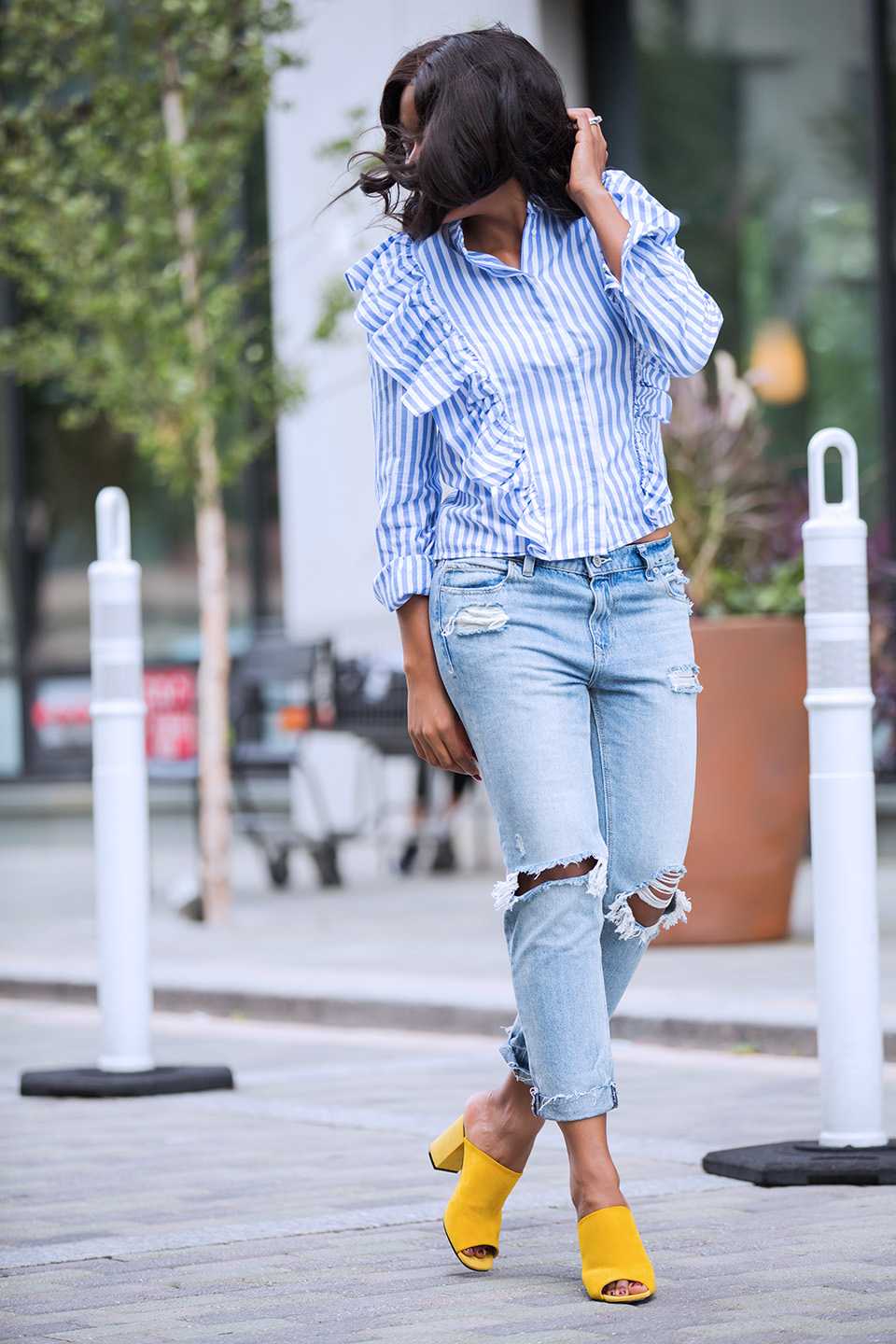 HM ruffle blouse, express girlfriend jeans, topshop mules, www.jadore-fashion.com