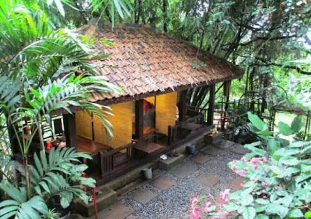 Saung Makan Boemi Joglo Dago