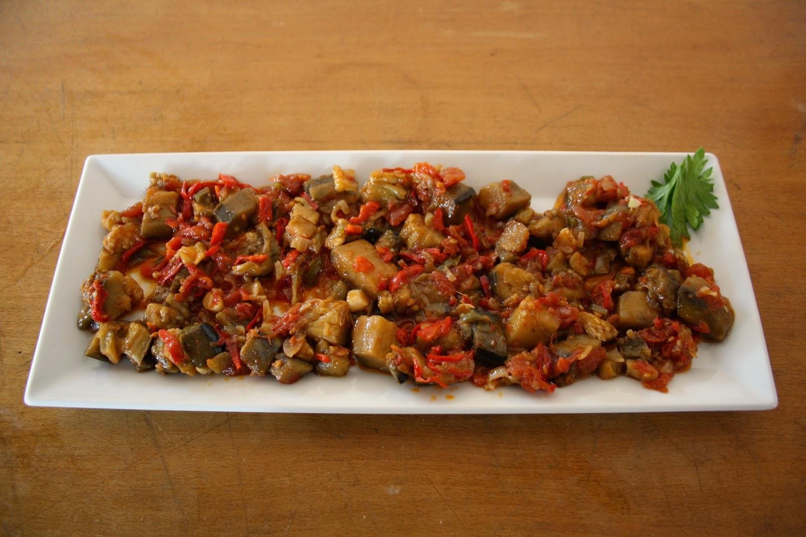 Diyet Domatesli Patlıcan Tarifi
